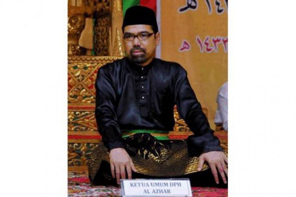 DATUK AL AZHAR: Sifatkan Melayu seperti air yang diperlukan di mana saja dan boleh menyesuaikan kehadirannya - menjadi ais, wap, air hujan dan sebagainya. - Foto fail