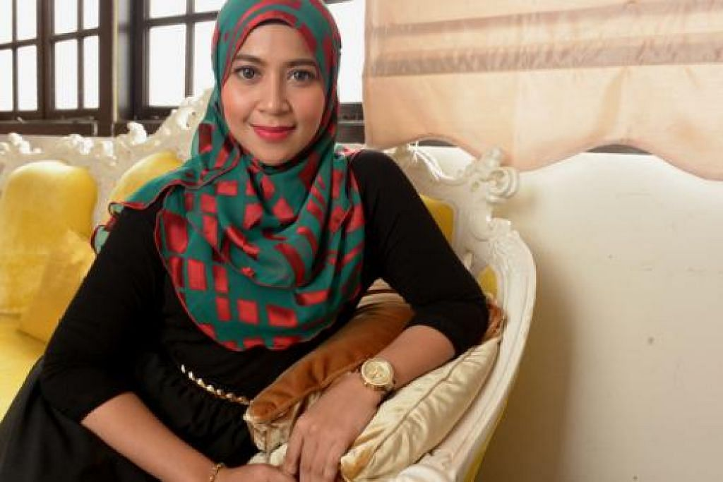 SALAHKAH?: Syura sedih dan tertekan apabila dikutuk menerusi media sosial seakan-akan beliau punca keruntuhan mahligainya bersama Mohd Fadhly Md Yassin. – Foto TUKIMAN WARJI