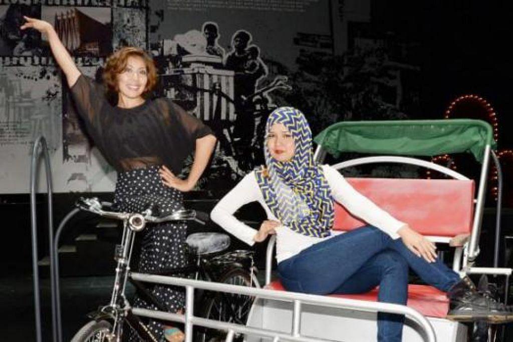 KEMBARA DUNIA DENGAN BAKAT: Cik Farah Bee (kiri) dan Cik Nazatulshima Mohamed Shariff lebih berdisiplin dan berani keluar daripada zon keselesaan menerusi kunjungan ke luar negara. - Foto JOHARI RAHMAT