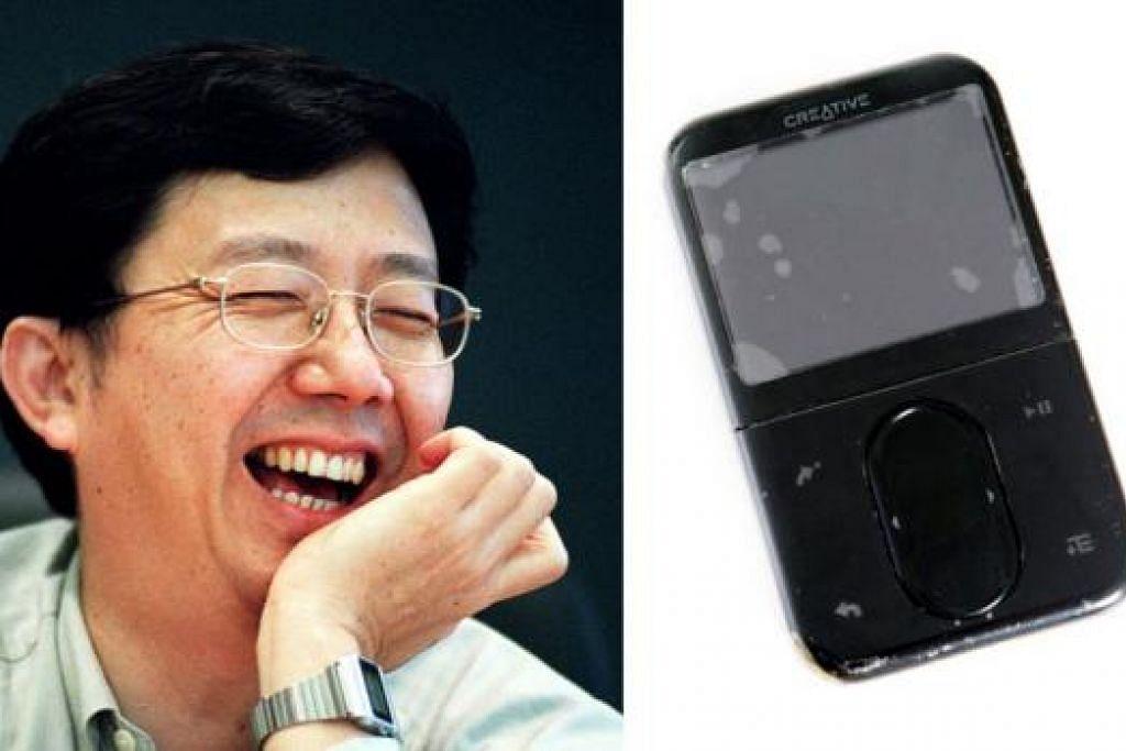 'STEVE JOBS' SINGAPURA: Pengerusi Creative Technology, Encik Sim Wong Hoo, antara lain memimpin syarikat menghasilkan Creative MP3 (kanan) yang menjadi pilihan ramai sebagai alat mendengar muzik suatu ketika dulu. - Foto-foto fail