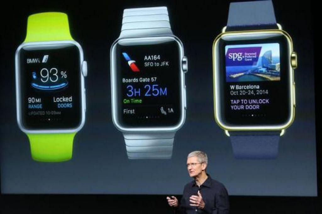 PRODUK TERKINI: Ketua Pegawai Eksekutif (CEO) Apple, Encik Tim Cook, menyampaikan butir-butir aplikasi dalam jam tangan bijak, Apple Watch, di ibu pejabat Apple di kawasan Cupertino, California, tahun lalu. - Foto fail REUTERS