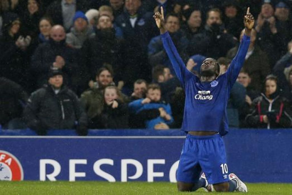 'HANGAT' DI EROPAH: Tugas menjaringkan gol bagi Everton di Kiev disandang oleh Romelu Lukaku, yang telah menjaringkan tujuh gol di Eropah musim ini. - Foto REUTERS