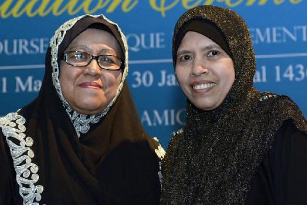 WANITA PERTAMA JADI NAIB PENGERUSI: Ustazah Sumah (kiri) dan Hajah Salmah merupakan wanita pertama mengisi kerusi Naib Pengerusi Lembaga Pentadbir Masjid (LPM). - Foto MUIS