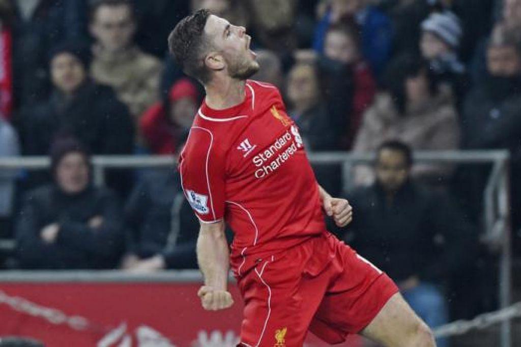 HENDERSON: Mula tunjuk kemampuan mengambil alih kedudukan Steven Gerrard sebagai kapten dan sumber inspirasi pasukan Liverpool dengan pemain bertenaga dari midfield. – Foto REUTERS