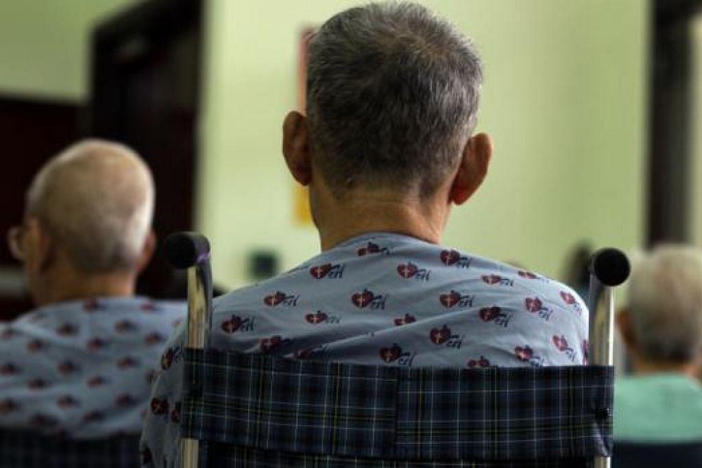 PENYAKIT DEMENSIA DI KALANGAN WARGA EMAS: Kajian terkini menunjukkan 10 peratus daripada golongan warga emas berusia 60 ke atas menghidap penyakit demensia dan mutu kehidupan penjaga turut terjejas. - Foto fail
