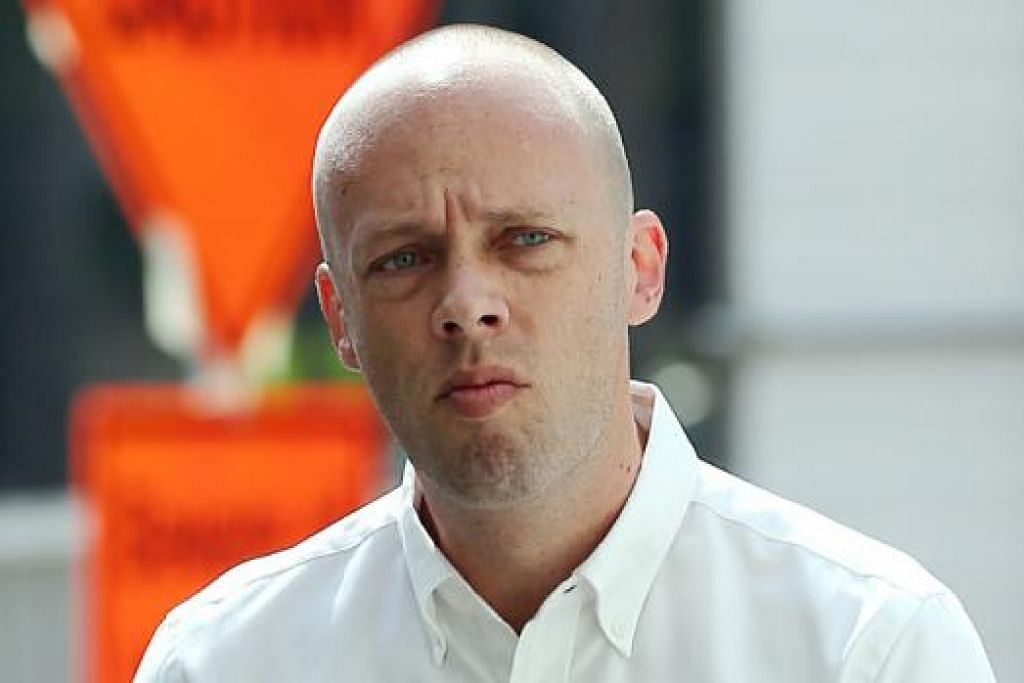 DIDENDA: Peter Aaron Jeremicjczyk dikenakan denda $3,000 kerana menumbuk penyanyi jaz setempat Dawn Ho pada 9 Mac 2014. - Foto fail