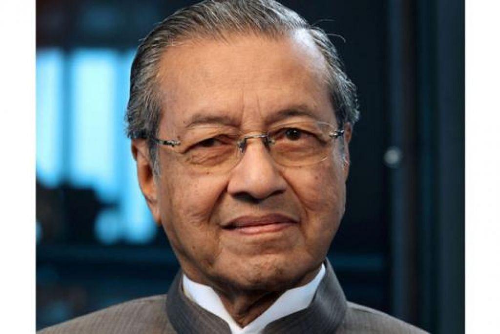 TUN DR MAHATHIR MOHAMAD: Lahirkan rasa sedih dengan kematian Encik Lee di dalam blognya.