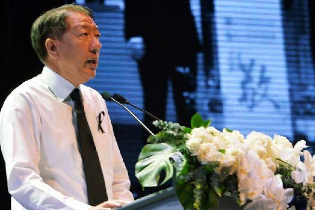 TINGGALKAN LEGASI: Encik Teo berkata keharmonian kaum dan agama yang dinikmati hari ini sebahagian besarnya ialah kerana mendiang Encik Lee dengan keras mahukan sebuah Singapura yang berbilang kaum, agama dan bahasa. – Foto KHALID BABA