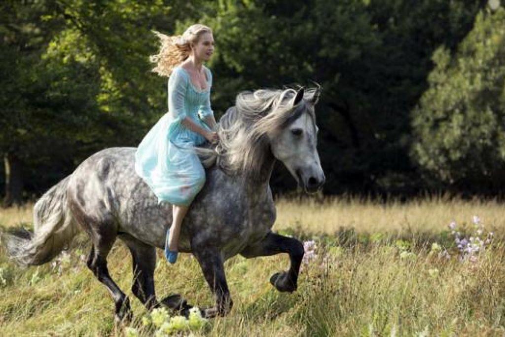 WATAK KLASIK: Lily James memainkan watak Cinderella yang tersohor itu. - Foto-foto WALT DISNEY STUDIOS dan REUTERS