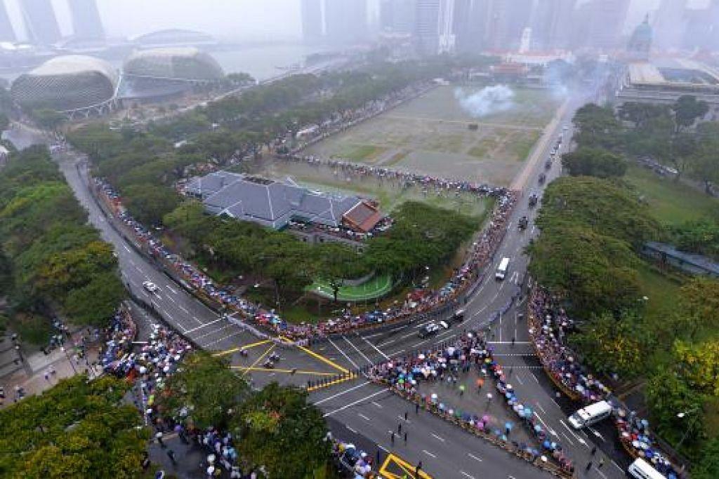SELAMAT TINGGAL ENCIK LEE: Sejuta orang hadir di tepi jalan dan pusat-pusat penghormatan masyarakat di serata Singapura untuk mengucapkan selamat tinggal kepada bapa pengasas moden Singapura mendiang Encik Lee Kuan Yew.