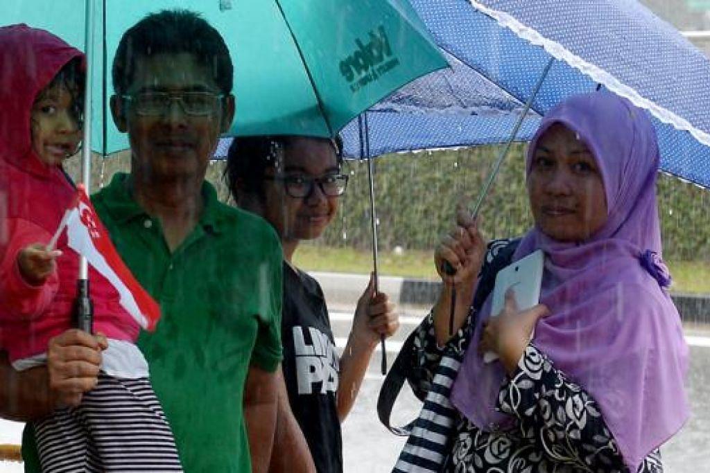 Encik Juhar Naemat, 52 tahun, yang datang bersama isterinya, Cik Maimunah Eusope, 45 tahun, dan dua anak perempuannya, A'aliya Nabila, enam tahun, dan Nur Farhana, 14 tahun.