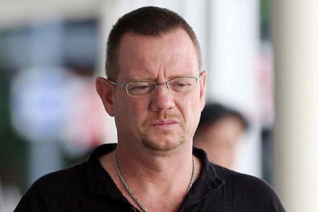 ARNE CORNELIUSSEN: Bayar $30,000 kepada orang yang diserangnya sebagai bayaran ganti rugi. - Foto THE STRAITS TIMES