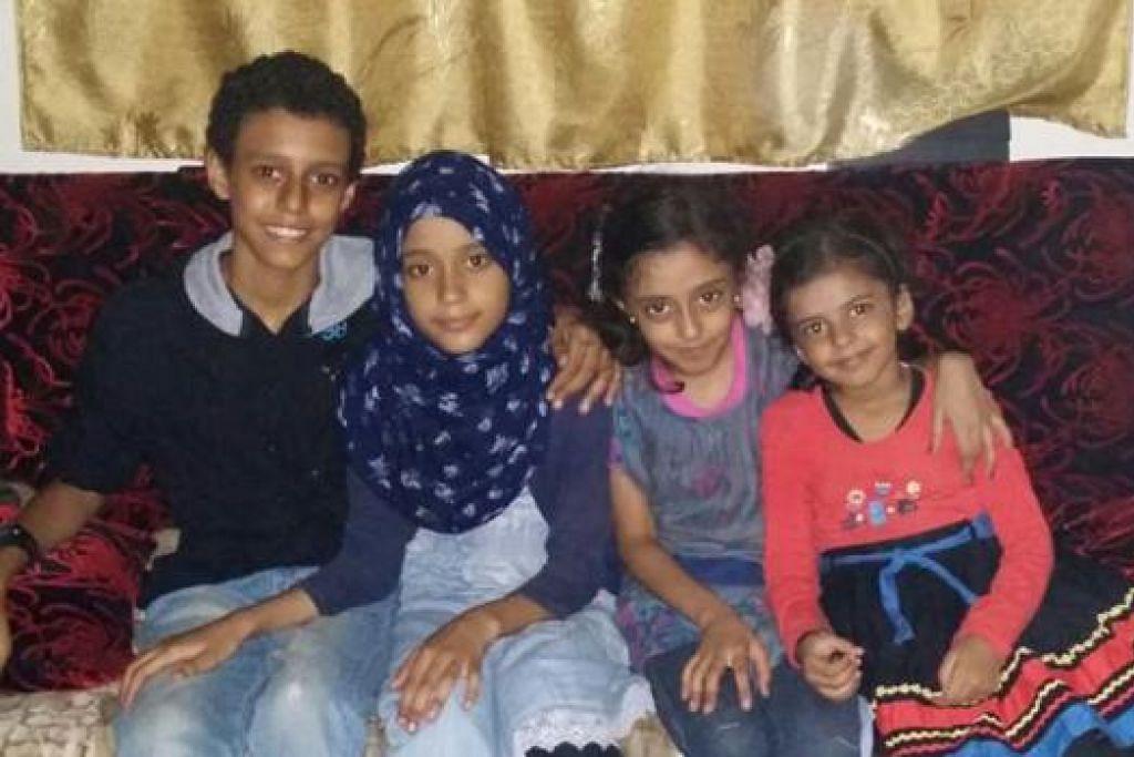 DALAM PERJALANAN PULANG: Cik Sherin Fathima Syed Abdul Ravoof dan empat anaknya (gambar) yang terkandas di Yaman sebelum ini kini dalam perjalanan pulang ke Singapura. - Foto ihsan SHERIN FATHIMA SYEE ABDUL RAYOOF