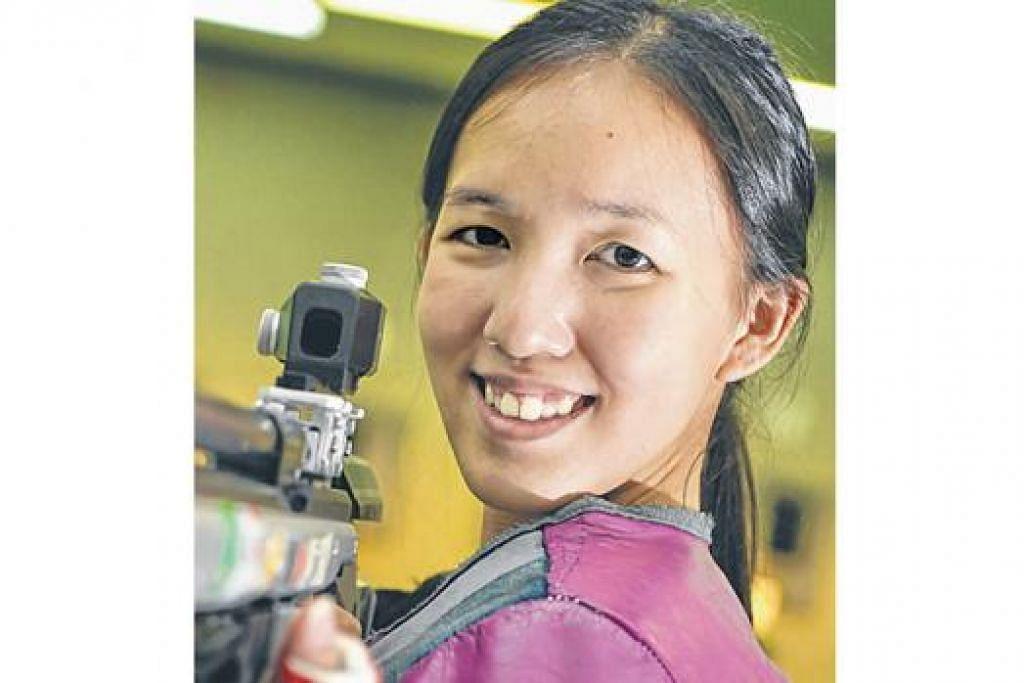 BERPENGALAMAN LUAS: Pengalaman srikandi menembak negara, Jasmine Ser, yang berpengalaman memenangi pingat di peringkat Sukan Komanwel, Sukan Asia dan Sukan SEA lalu, turut memikul harapan emas negara kali ini. – Foto fail