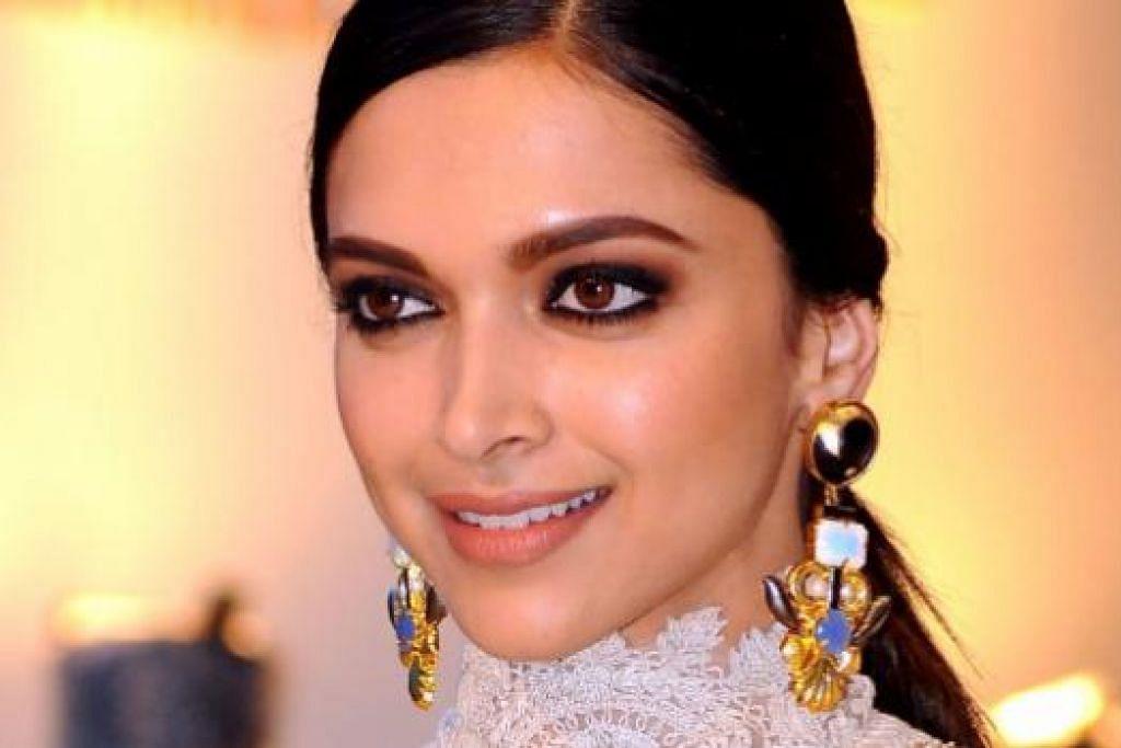 LAWAN KEMURUNGAN: Pelakon Bollywood popular, Deepika Padukone, tampil mendedahkan trauma yang dihadapi demi membanteras stigma sosial. - Foto AFP