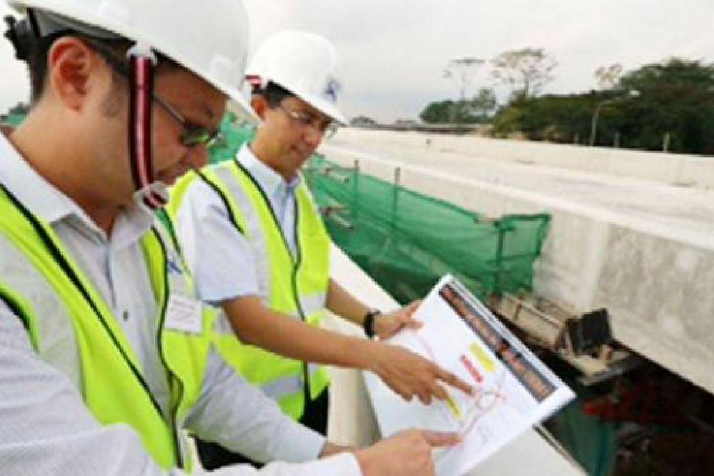 BUAT TINJAUAN: Dr Muhammad Faisal melawat kawasan pembinaan kelmarin. – Foto FACEBOOK