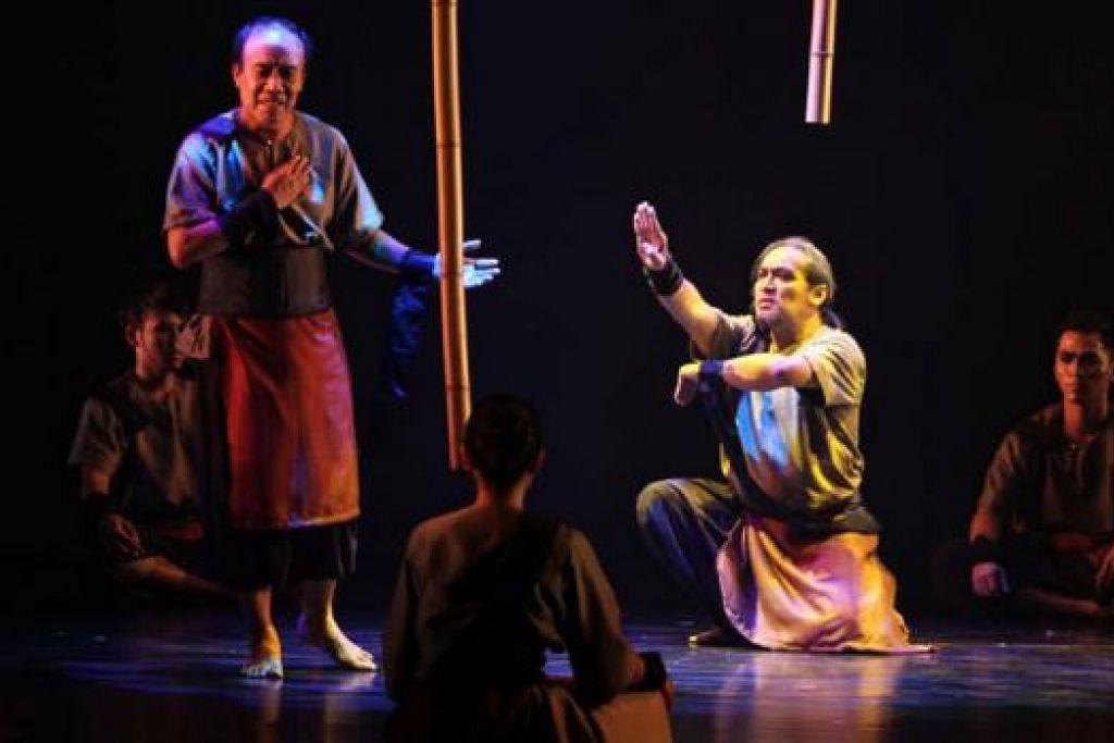 BERGABUNG TENAGA: Dua aditari, (dari kiri) Tom Ibnur dari Indonesia dan Osman Abdul Hamid dari Era Dance Theatre akan bergabung dalam pementasan tari Jiwa Setunggal, Hati Beragam pada 29 Mei ini. - Foto ERA DANCE THEATRE