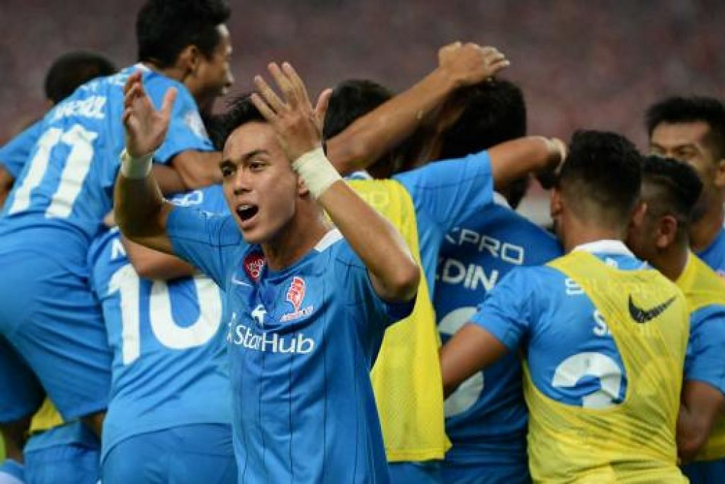 CIPTA SEJARAH: LionsXII pasukan pertama dari Singapura menjulang Piala FA.