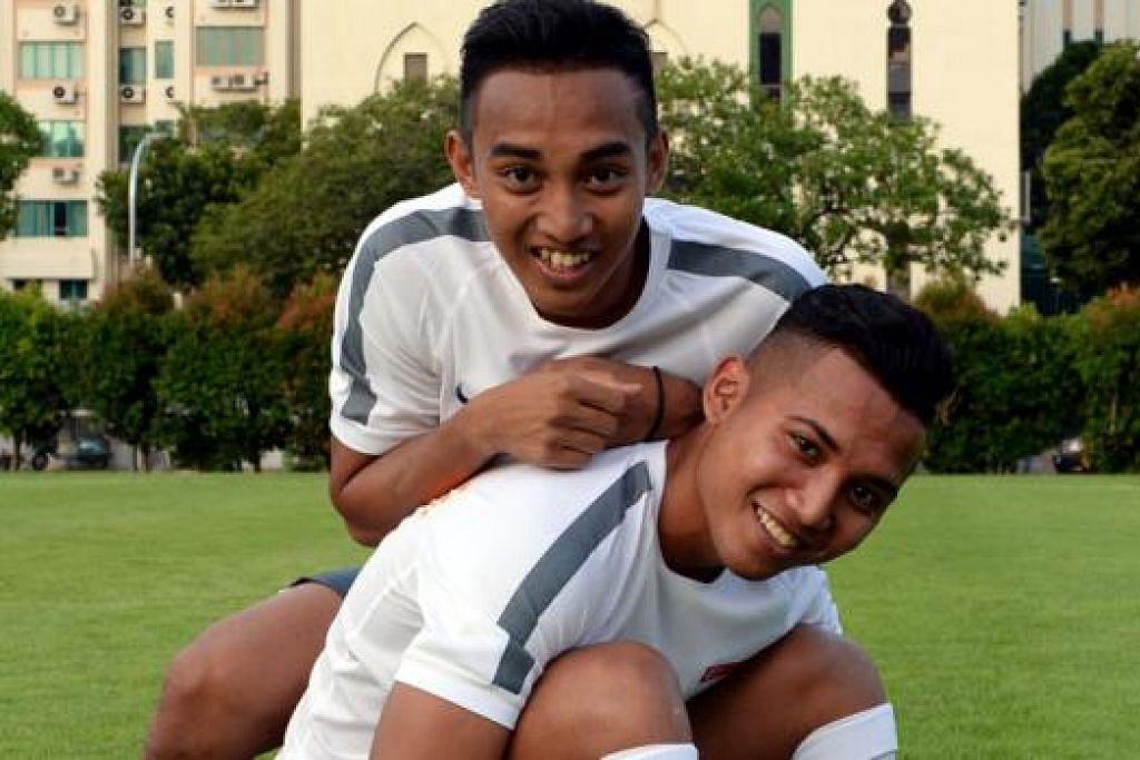'ANCAMAN UTAMA': Faris Ramli (kiri) dan Sahil Suhaimi dipilih sebagai pemain berbahaya oleh jurulatih Filipina Marlon Maro. - Foto ZAINAL YAHYA