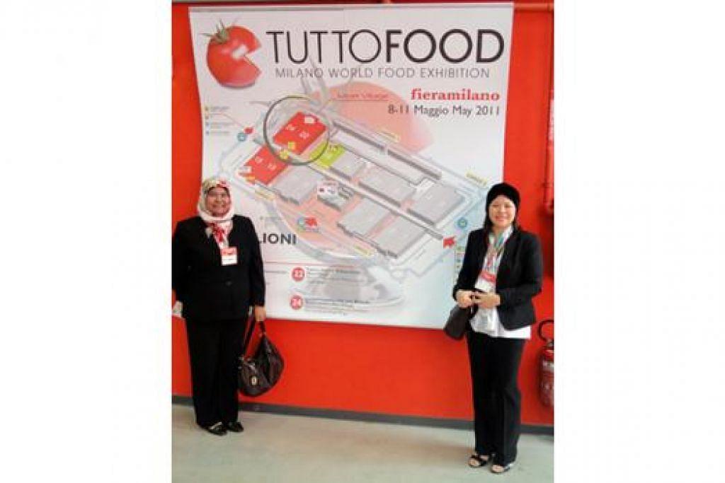 TIMBA ILMU DI NEGERI ORANG: Cik Masmunah (kiri) dan Cik Samsiah ketika menghadiri misi pembelajaran dan pameran makanan Tutto Food di Milan, Italy. - Foto ihsan MASMUNAH ABDULLAH