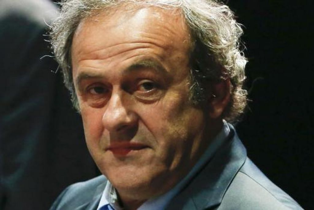 DUA CALON UTAMA: Presiden Uefa, Michel Platini (gambar), dan Putera Ali Al-Hussein merupakan antara dua nama yang disebut akan menggantikan Sepp Blatter selepas presiden Fifa itu melepaskan jawatannya kelmarin. - Foto- foto REUTERS, AFP