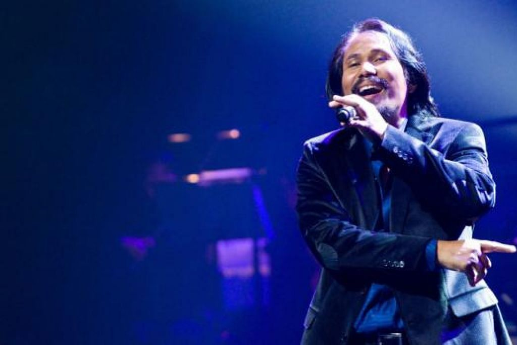 KEJUTAN KONSERT: Dato' M. Nasir kini bersedia membuka konsert di Pasir Gudang dengan kejutan seperti yang dilakukan di Kuantan. - Foto FAIL