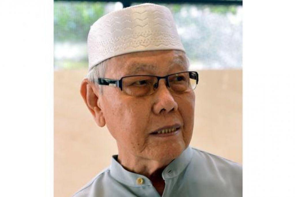"""""""Dengan masjid baru ini yang berhampiran rumah saya, saya tidak perlu mengambil bas seperti dahulu. Saya hanya berjalan kaki selama lima minit dan lebih mudah untuk mengerjakan solat Jumaat dan tarawih. Masjid ini pun selesa dan berangin."""" – Haji Ali Pawiro, 83 tahun."""