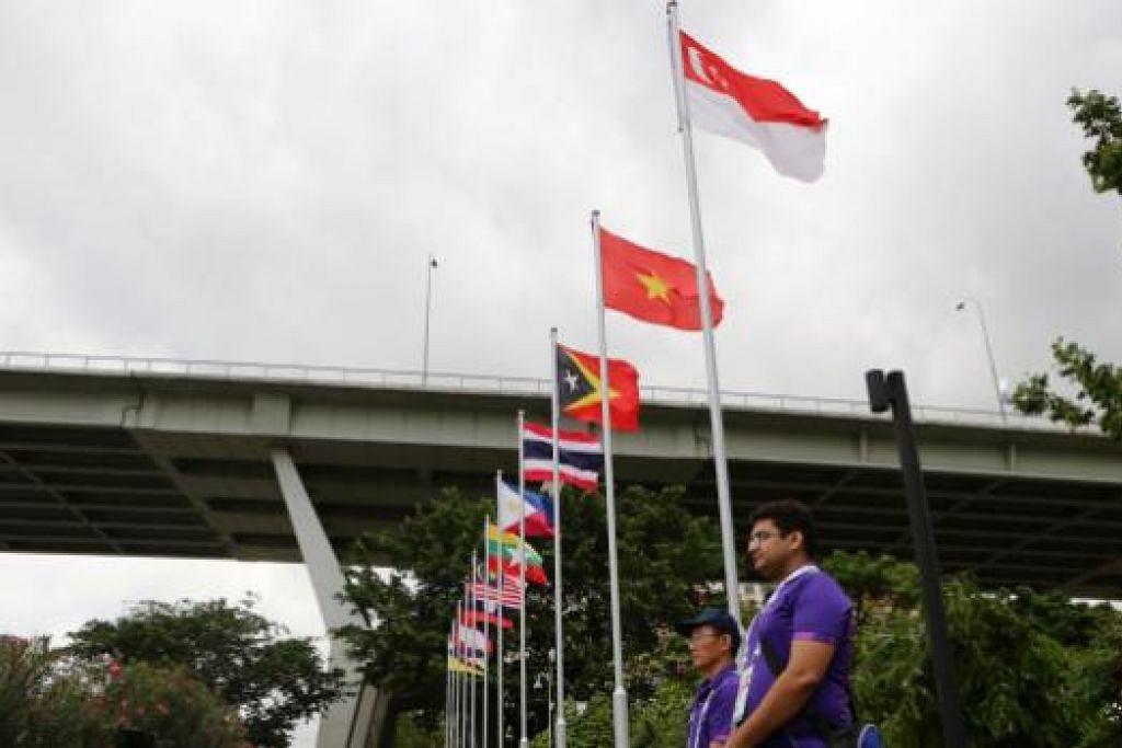 Cuaca mendung di Marina Bay menambah kesuraman yang dirasakan sebelum pertandingan kanu bermula pagi 8 Jun.