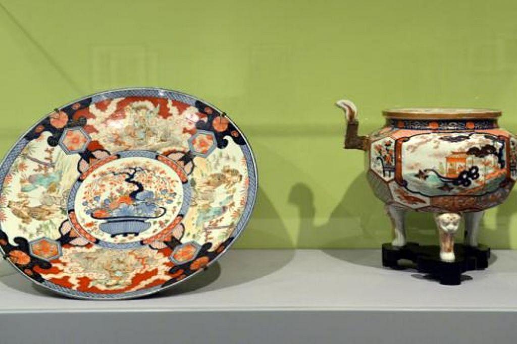 ARTIFAK PORSELIN: Dua artifak ini dibuat di Jepun bagi keluarga mendiang Encik Tan Kim Tian dan digunakan di 'Botan House' (Rumah Botan). - Foto M.0. SALLEH