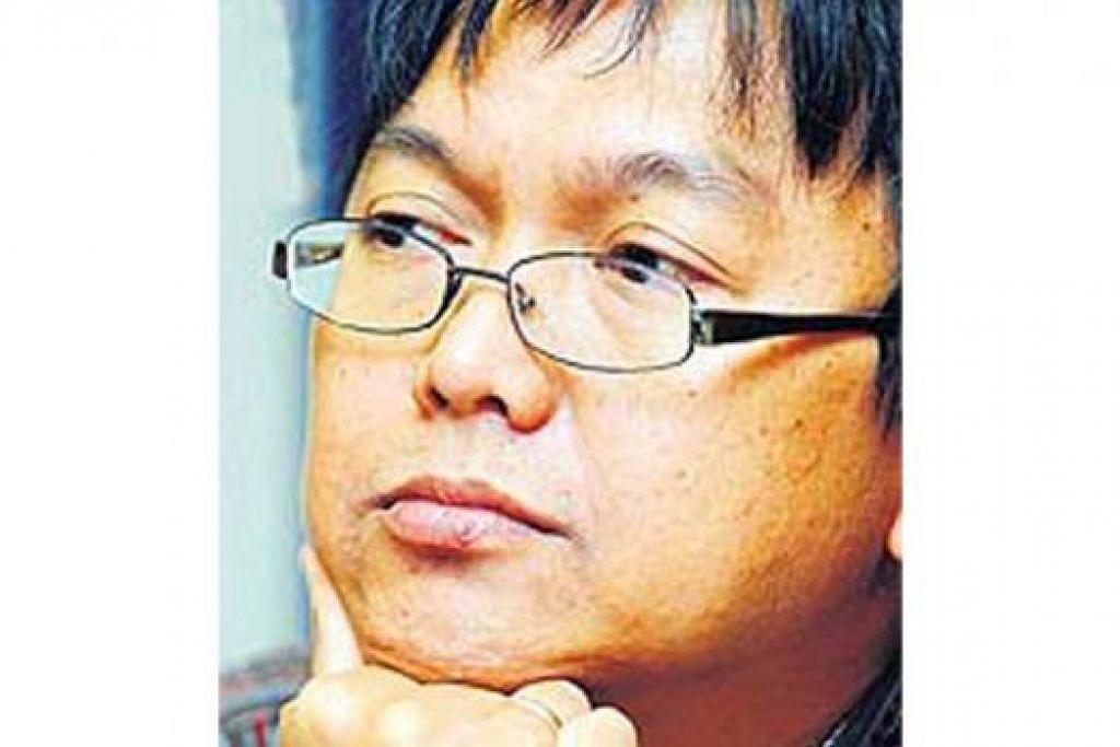 AZIZ M. OSMAN: Mencari muka baru untuk bintangi filem susulan 'X Ray', 'XX Ray III' kerana kebanyakan pelakon sedia ada sudah ada banyak komitmen. - Foto BHM