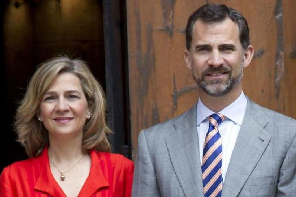 MEMALUKAN: Tengkarah melibatkan adiknya, Puteri Christina (kiri), membuat Raja Filipe VI (kanan) melucutkan gelaran diraja adiknya. - Foto AFP