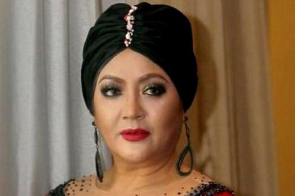 PENYANYI POPULAR ERA '80-AN: Salwa berkata dua 'single' terbarunya ditujukan khas kepada suaminya, Subabron Aziz, yang merupakan bekas pemain bola sepak nasional Malaysia. - Foto MSTAR.COM