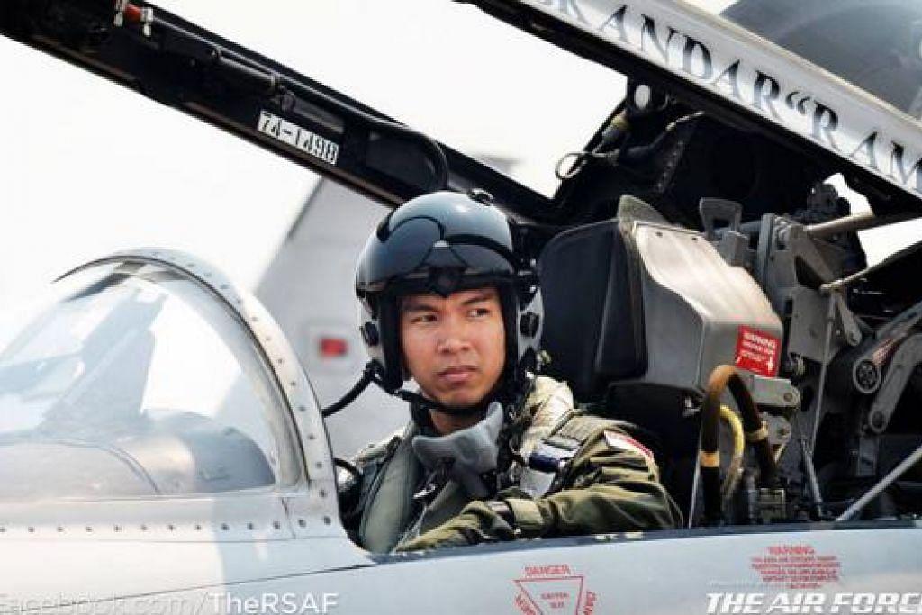 IMPIAN MENJADI NYATA: Kapten Muhammad Iskandar dapat merealisasikan impian kanak-kanaknya mahu terbang di NDP tahun ini. - Foto FACEBOOK RSAF