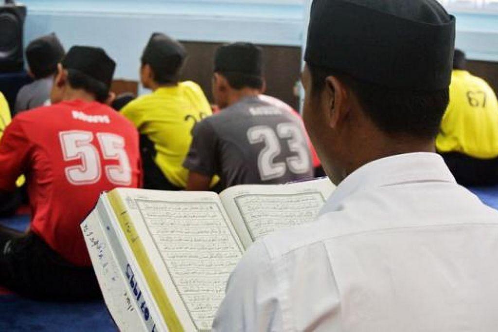 SEGARKAN DIRI: Ramadan ialah bulan produktif yang menuntut umat Islam bijak mengatur makan minum dan menyegarkan diri untuk bekerja dan beribadah. - Foto hiasan