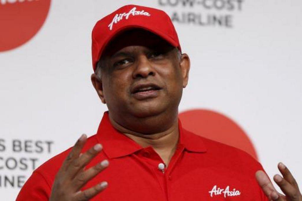 MANFAAT JURUTERBANG: Ketua Pegawai Eksekutif AirAsia, Tan Sri Tony Fernandes, berkata aplikasi 'Electronic Smarter Fleet' (eFF) dibangunkan dengan kerjasama Airbus agar para juruterbang boleh mendapatkan maklumat penuh dengan mudah.