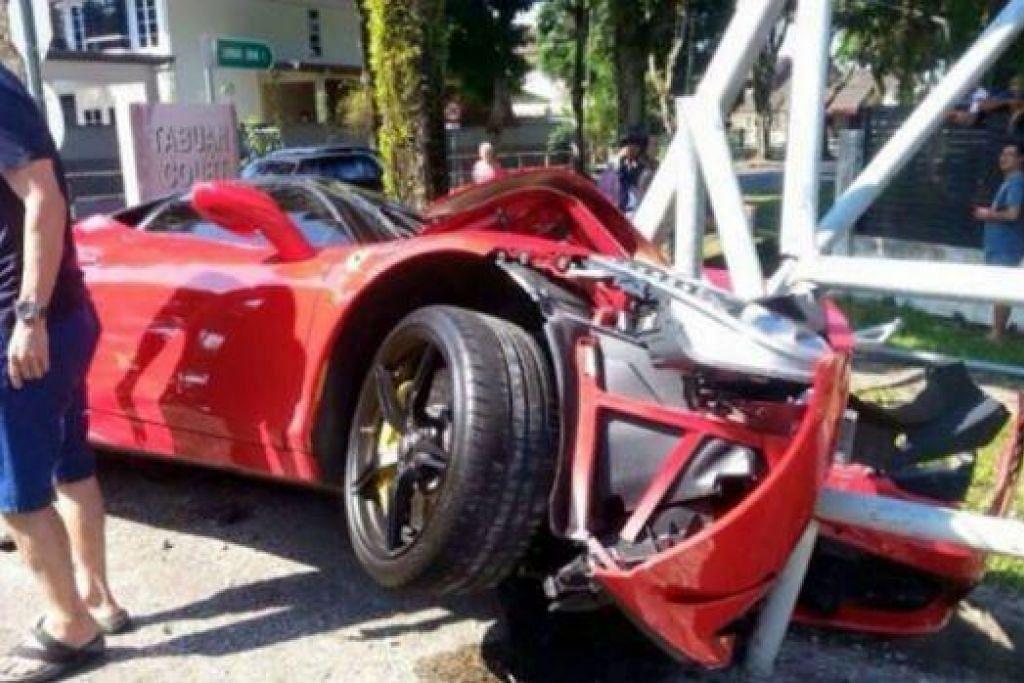 MENJADI VIRAL: Gambar kemalangan melibatkan kereta Ferrari ini menjadi viral di laman sosial. - Foto THE STAR