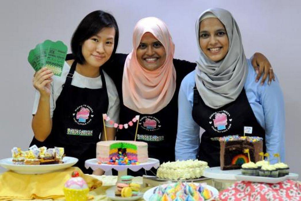DEMI MEMBANTU GOLONGAN MEMERLUKAN: (Dari kiri) Cik Lye Kit Ying, Cik Shereen Naaz Charles Syariff dan Cik Yasmeen Shariff bersatu menganjurkan acara 'Eiding the Feast' yang berlangsung di Al-Qudwah Academy hari ini mulai 12 tengah hari. – Foto-foto ihsan SHEREEN NAAZ CHARLES SYARIFF