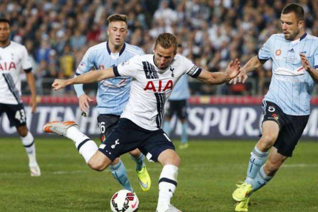 PERLU DIKEKALKAN: Tottenham Hotspur perlu mengekalkan pemain tunggak seperti Harry Kane (depan) jika ingin mendaki ke kedudukan lebih tinggi di Liga Perdana England, walau pemain ini menjadi rebutan kelab lain. - Foto REUTERS