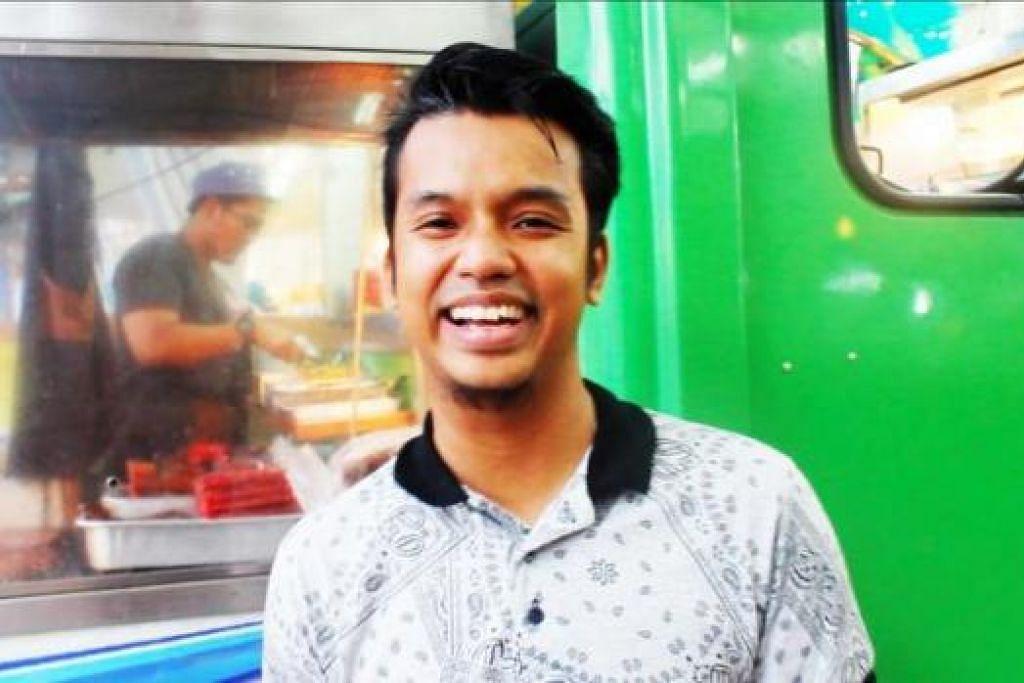 RAMAI BERMINAT: Encik Nur Azhar Sulaiman, bekas pramugara yang meneroka banyak negara bagi mencari taco yang kemudian diubahsuai mengikut selera Melayu.