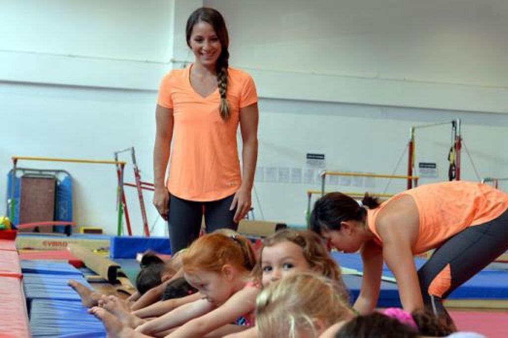 BAIK UNTUK MEMBESAR: Cik Trigg berkata gimnastik yang diamalkan pada peringkat usia kanak-kanak dapat membantu membangunkan koordinasi dan membentuk postur tubuh dengan lebih baik ketika kanak-kanak itu membesar.