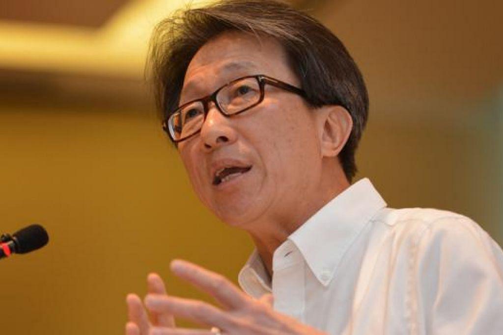 ENCIK LIM SWEE SAY: Program Sokongan Kerjaya bertujuan melengkapi Program Pertukaran Kerja (PCP) yang dilancarkan pada 2007.