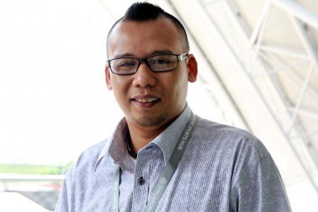 MENGUTAMAKAN KESELAMATAN: Encik Mohammad Faizul Shahrain Salamon bertekad memastikan pengunjung ke Hab Sukan Singapura sentiasa berasa selamat dan boleh menjalankan aktiviti kegemaran mereka dengan selasa. - Foto SINGAPORE SPORTS HUB