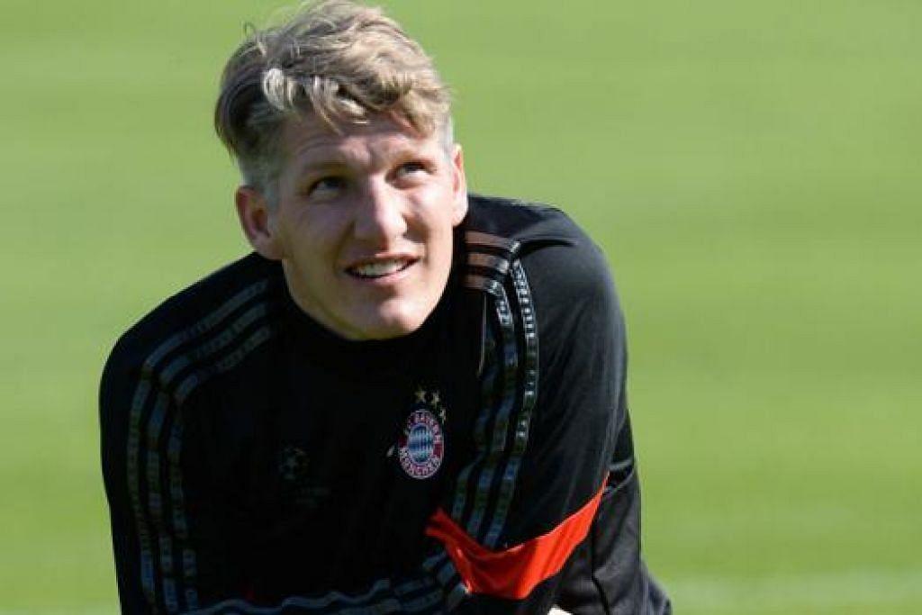 SAHUT CABARAN: Bastian Sweinsteiger diharap menjadi pemain tunggak di Old Trafford musim depan. - Foto AFP.