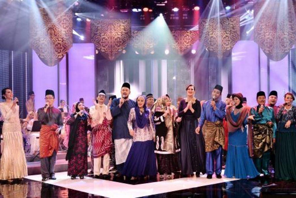 KEMBALI BERSAMA: Barisan artis baru dan lama berganding suara untuk memeriahkan rancangan hiburan khas Hari Raya, Sinar Lebaran 2015. - Foto-foto MEDIACORP SURIA