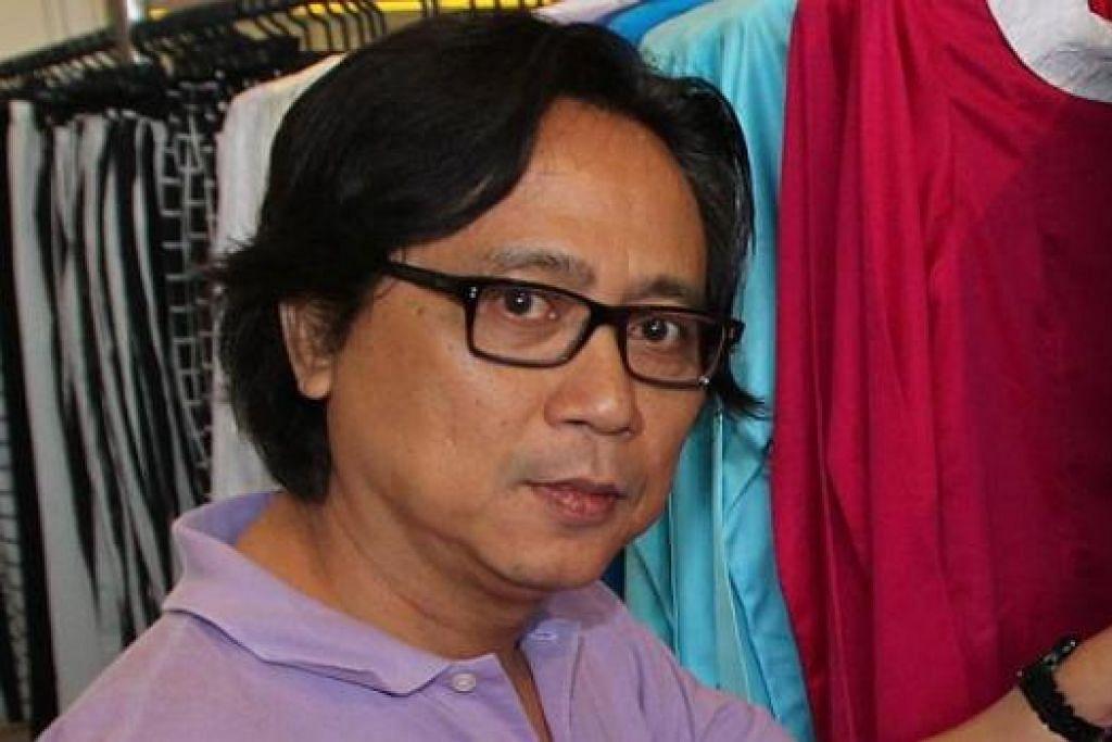 PERNIAGAAN MEMBERANGSANGKAN: Encik Zuhri Sukaimi (gambar), pemilik butik Mod Kebaya juga di Golden Landmark, mendapati perniagaannya lebih cergas dengan kenaikan sehingga 10 peratus. - Foto-foto fail