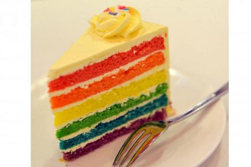 HMMM... MENGGODA:` Pencuci mulut, Kek Pelangi, yang pasti membuat anda ingin mencuba lagi.