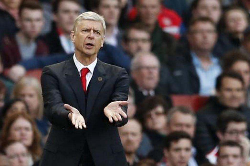 INGIN RAPAT JURANG: Wenger berharap pasukannya tahun ini dapat merapat jurang dengan Chelsea yang memenangi EPL dengan 'selesa' musim lalu. - Foto REUTERS