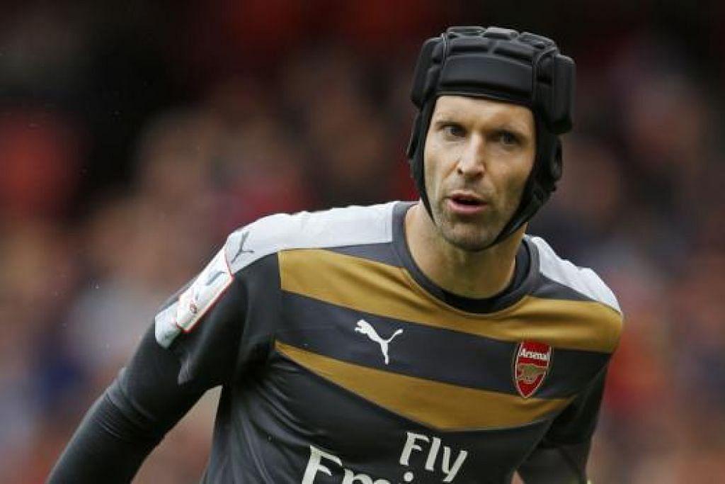 PETR CECH: Kehadirannya dijangka mengukuhkan benteng Arsenal dalam usaha pasukan itu menamatkan kemarau kejuaraan liga sejak 2004. - Foto REUTERS