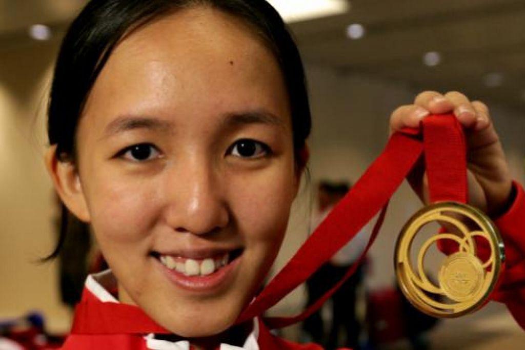 TERBAIK: Penembak negara, Jasmine Ser, yang memenangi pingat emas Sukan Komanwel tahun lalu, dipilih Olahragawati Negara.
