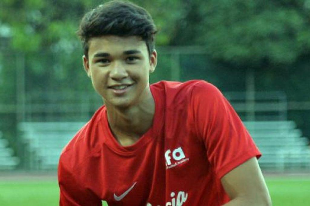 AZAM BANTU PASUKAN: Ikhsan Fandi berazam menyumbatkan beberapa gol dan membantu pasukannya di Piala Lion City ini, bermula dengan perlawanan menentang Liverpool pada 14 Ogos ini. - Foto-foto KHALID BABA